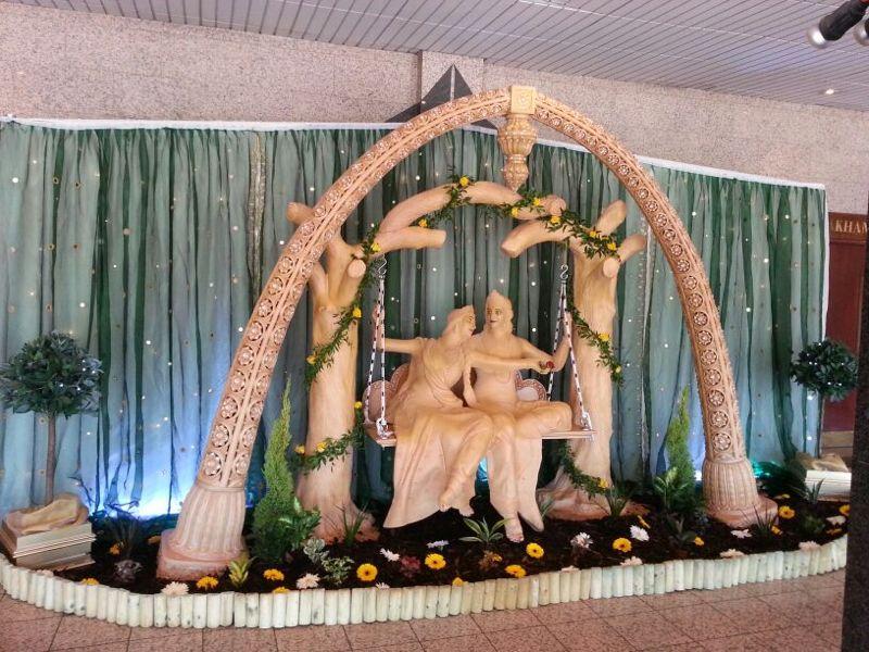 http://weddingmandaps.us/assets/statute-mandap-theme.jpg