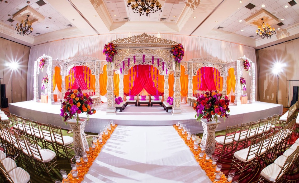 http://weddingmandaps.us/assets/wedding-backdrop-indian-style.jpg