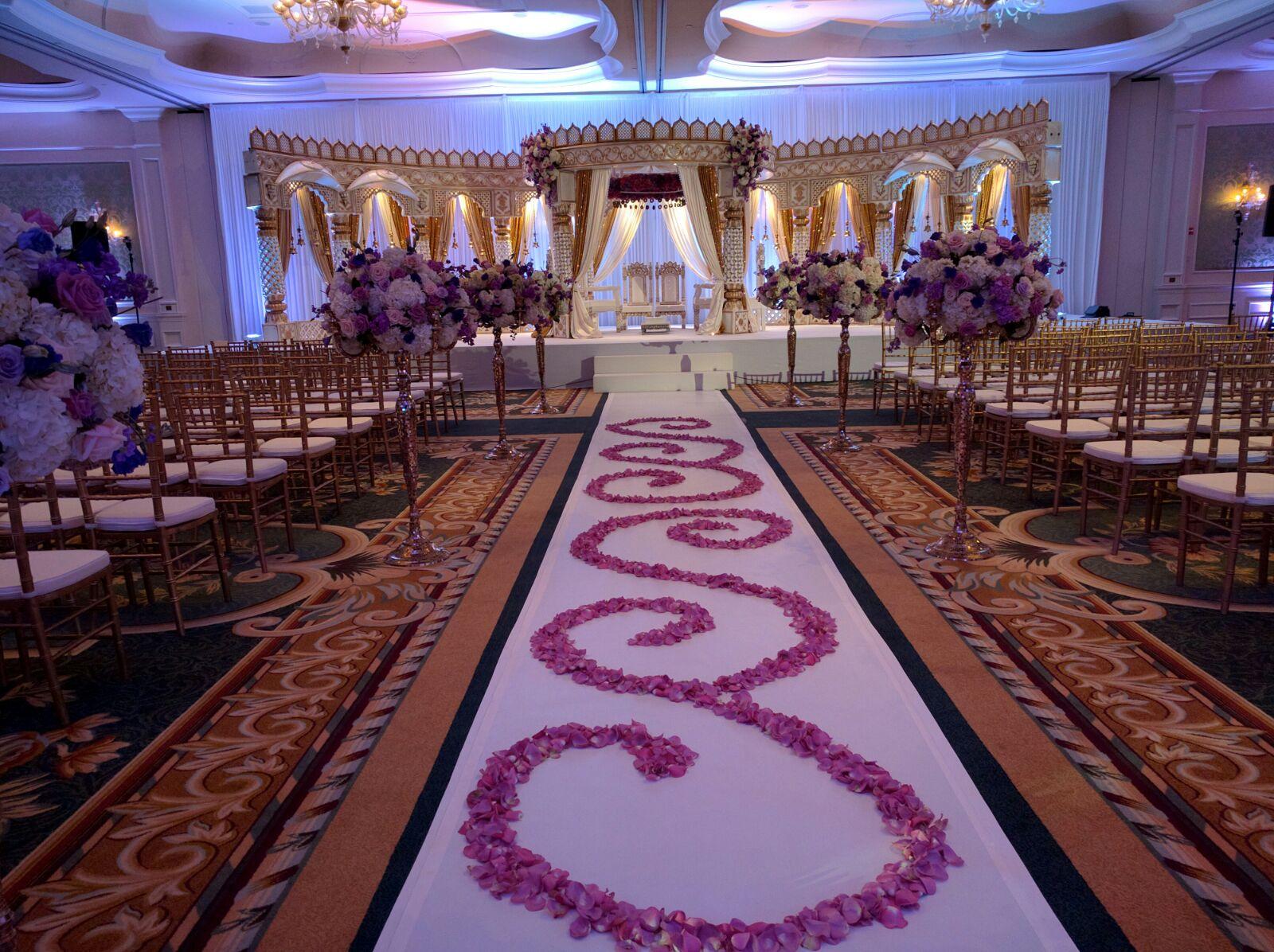 http://weddingmandaps.us/assets/wedding-stage-mandaps-themes.jpg
