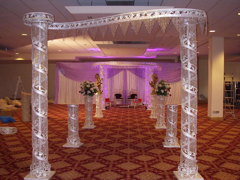 https://weddingmandaps.us/assets/wedding-entrance.jpg